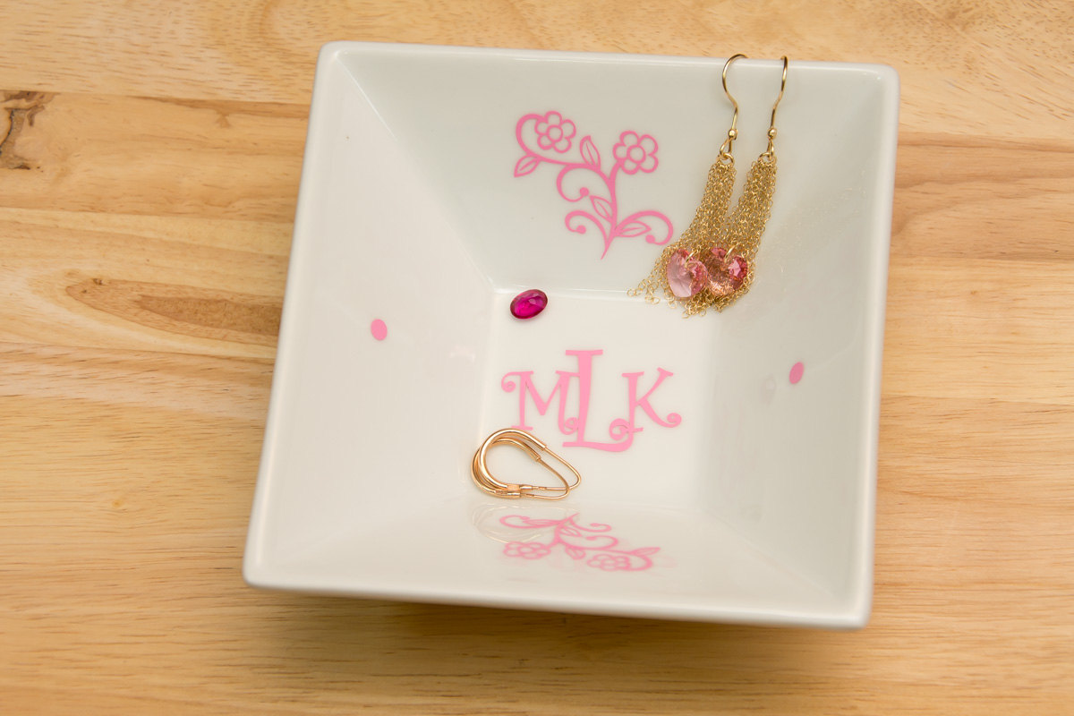 Monogrammed Jewelry Plate with Curlz Monogram and Flowers - Accessories Storage Dish with Color Monogram Decal, Wedding gift